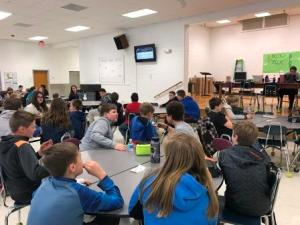 Students in Wetsel Cafeteria for Lunchtime Trivia